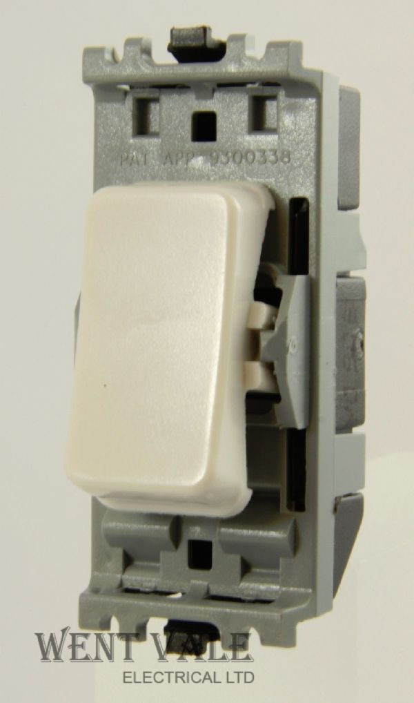 MK Masterseal Plus - 56883 BLK - 10ax Double Pole Switch Module Un-used